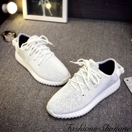 Casual lace-up sneakers
