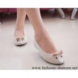 305 - White mouse flat heel