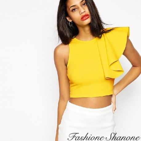 Crop top with fluffy handle
