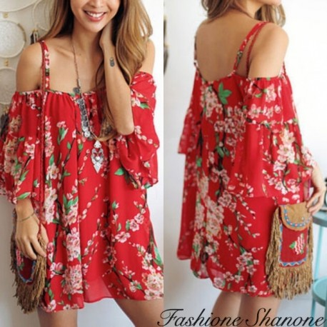 Floral red dress with uncovered shoulders