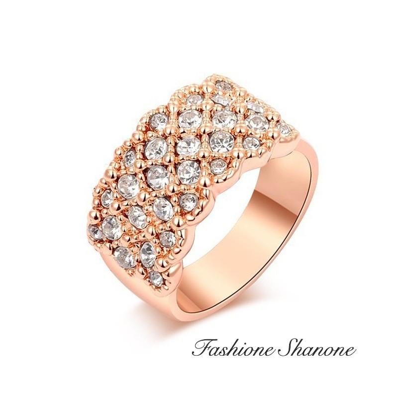 Bague remplie de diamants