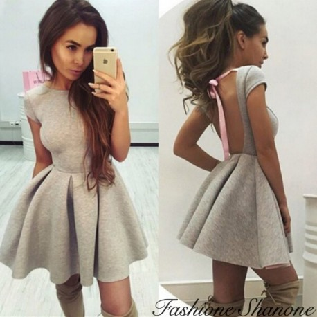 Fashione Shanone - Flared dress with open back