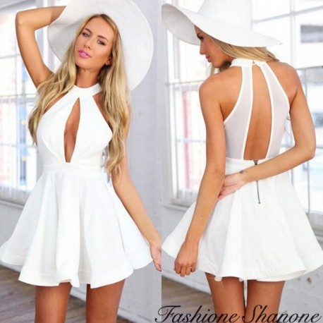 Fashione Shanone - Limited stock - Flared dress with plunging neckline