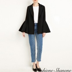 Fashione Shanone - Black blazer with flared sleeves