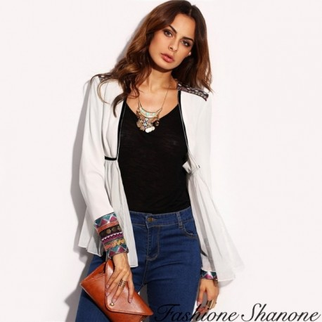 Fashione Shanone - Fitted with aztec pattern white jacket