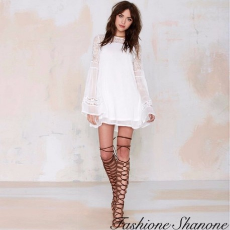 Fashione Shanone - White dress with flared sleeves