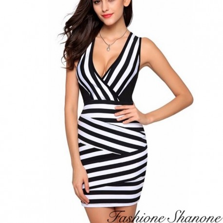 Fashione Shanone - Black and white slinky dress with plunging neckline