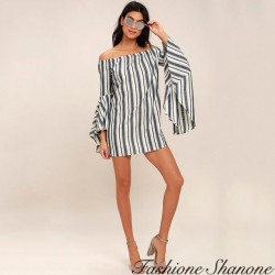 Fashione Shanone - Dress with flared sleeves and neckline Bardot