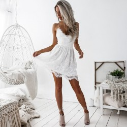 Fashione Shanone - Robe en dentelle avec dos décolleté