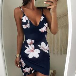 Fashione Shanone - Robe fleurie décolletée