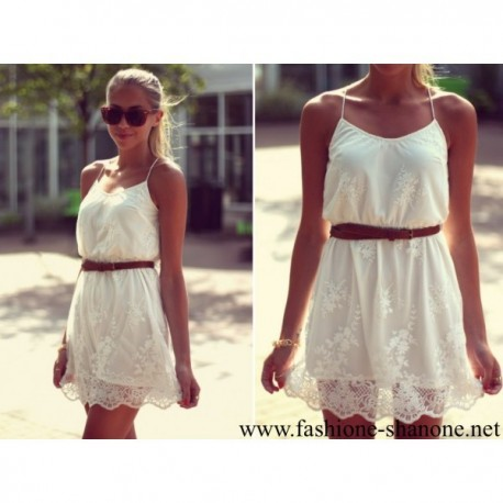 305 - White lace dress