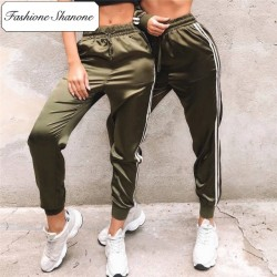 Fashione Shanone - Army green satin jogging pants