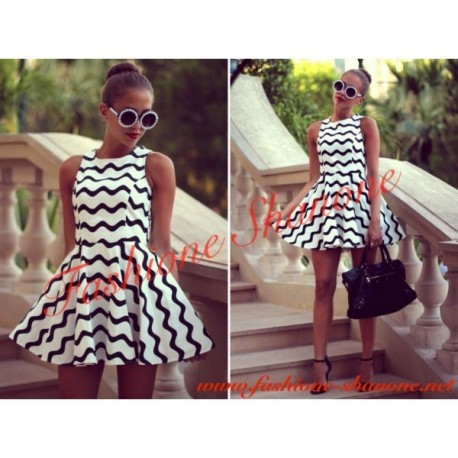305 - Black and white waves dress