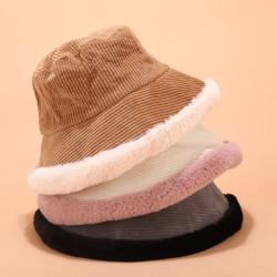 Fashione Shanone | Velvet and fur bucket hat