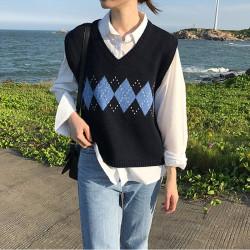 Sleeveless plaid sweater