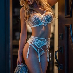 Fashione Shanone | White lace lingerie set with garter belt