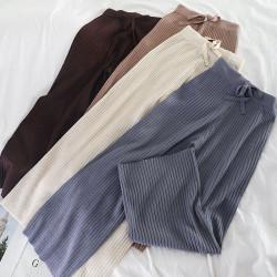 Pantalon en laine côtelé large