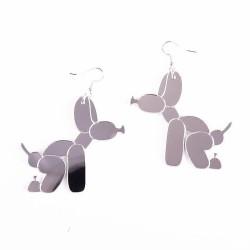 Boucles d'oreilles chien qui fait caca