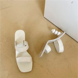 Sandales à talons boules