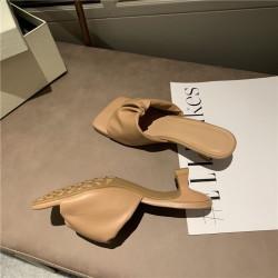 Sandales à bout carré