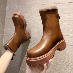 Thick sole boots with fur