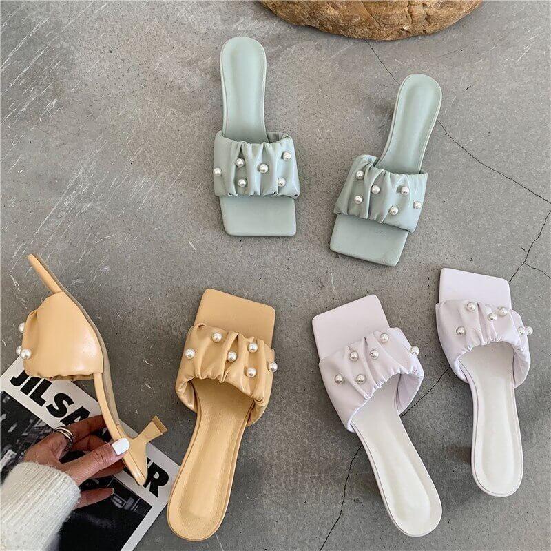 Sandales bout carré à perles