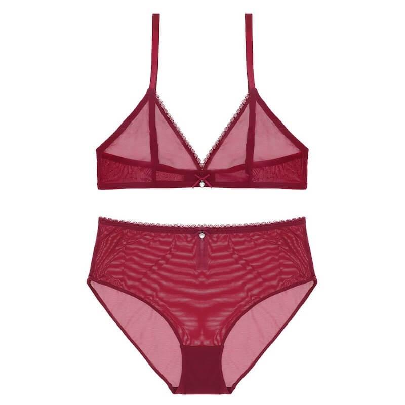 Ensemble lingerie soutien-gorge et culotte taille haute