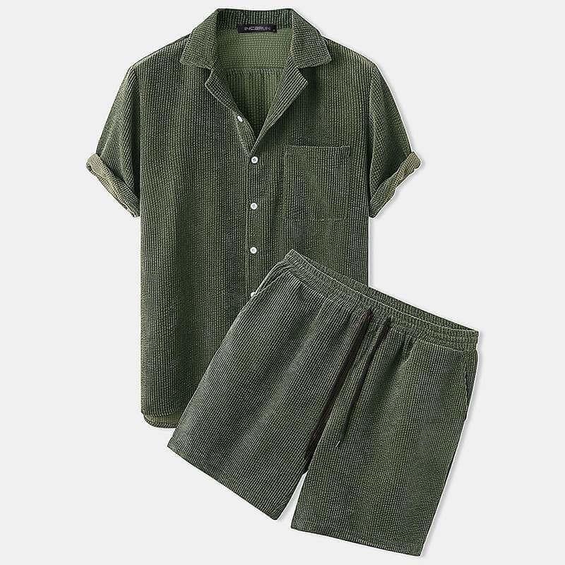 Ensemble chemise manches courtes et short en velours pour homme