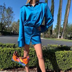 Robe chemise en satin bleu