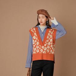 Vintage wallpaper knit vest