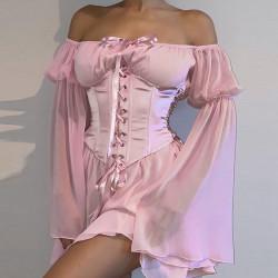 Robe rose à volant avec corset